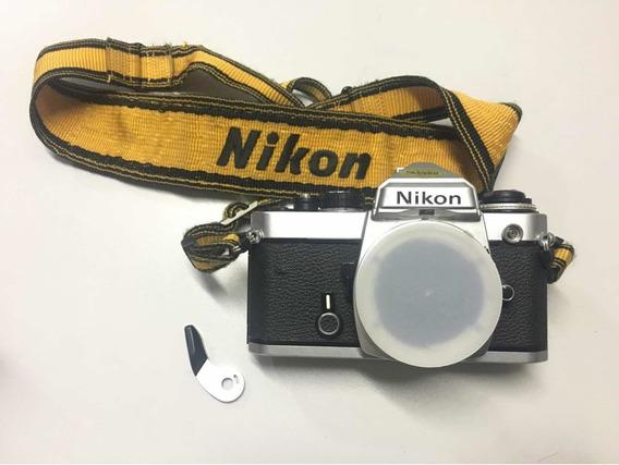 Nikon Fe Câmera Analógica 35mm Bem Usada Com Alguns Detalhes