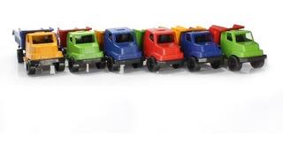 30 Caminhão De Brinquedo + 30 Bonecas Com Caixinha Atacado
