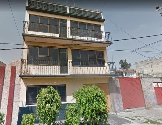 Gran Inversion, Amplia Casa En Remate En Juan Escutia