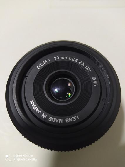 Lente Sigma Micro Four Trirds Mft Blacmagic 30mm F/2.8.