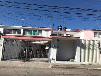 Casa En Venta En La Calma, Zapopan