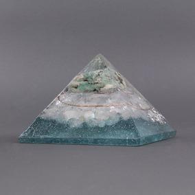 Orgonite Pirâmide Verde Com Água Marinha - Saúde E Emocional