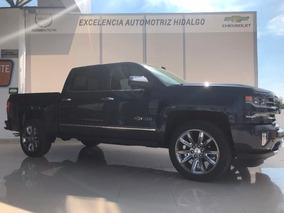 Chevrolet Cheyenne Centennial 2018, 6.2l, 420hp, 4x4, Hgo.