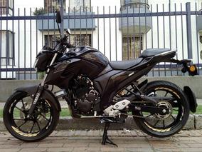 Yamaha Fz 250, Negra