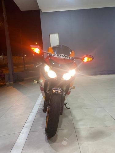 Imagem 1 de 11 de Cbr 1000rr Fireblade 2011