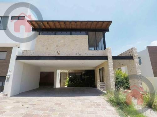 Casa - Residencial El Molino