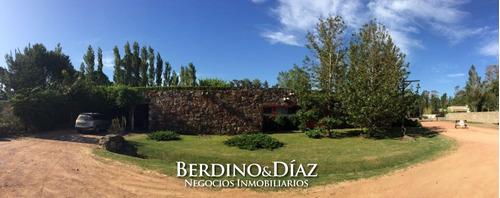 Casa - La Arbolada El Mejor Barrio Privado De Punta Del Este 4 Dormitorios.- Ref: 672