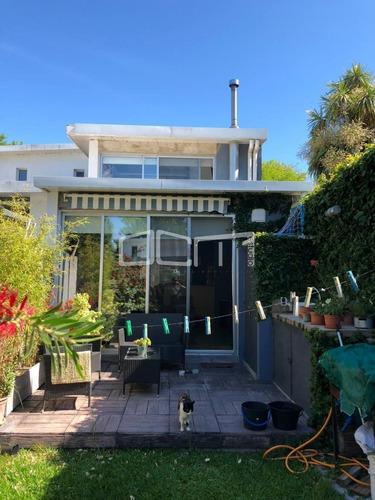Moderna Casa En Venta- Ref: 454