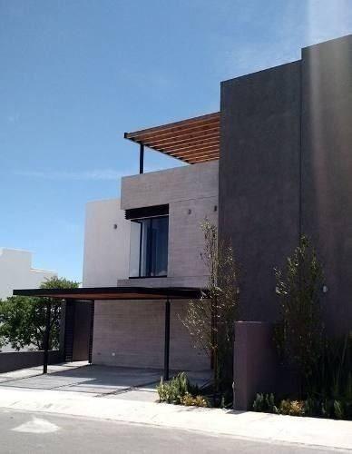 Hermosa Residencia En Venta En Zibata, Moderna Casa En Fracc