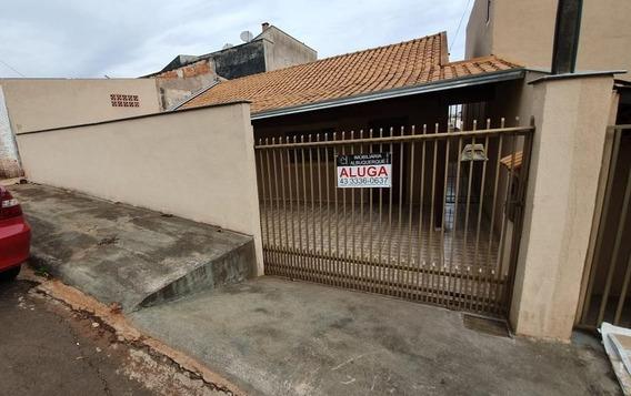 Casa Com 2 Dormitórios Para Alugar Por R$ 700/mês - Jardim Planalto - Londrina/pr - Ca0442