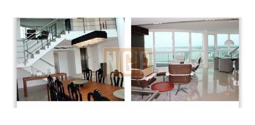 Apartamento En Mansa, 4 Dormitorios  -ref:14294