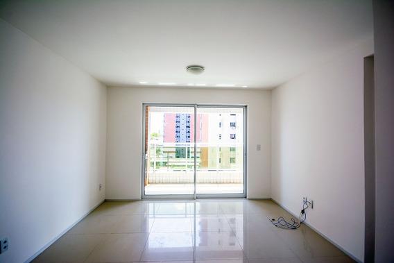 Apartamento 2 Quartos, Garagem, A Poucos Metros Da Oab