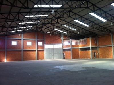 Bodega En Centro Industrial