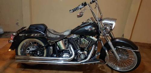 Harley Davidson  Softail De Luxe