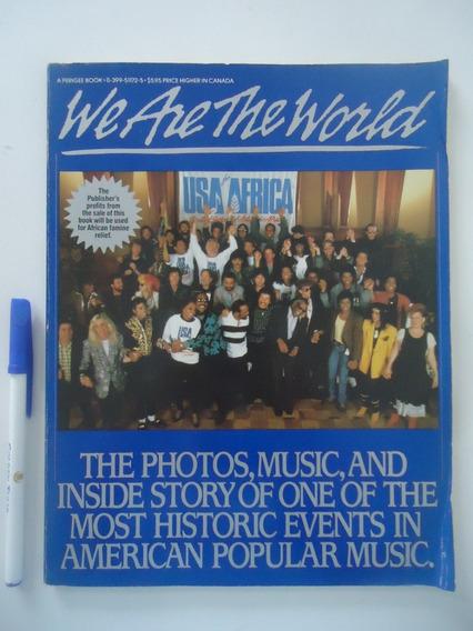 Livro We Are The World - Em Inglês