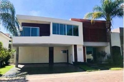 Casa Nueva En Venta En Frac. Valle Real, Zapopan
