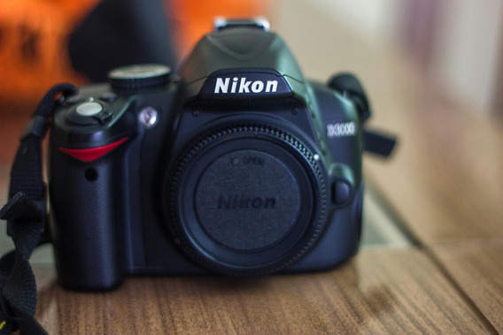 Nikon D3000 + Lente 18-55mm E 55-200mm