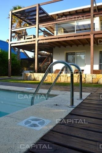 Imagen 1 de 30 de Excelente Casa De Seis Dormitorios En El Chorro Manantiales- Ref: 26125