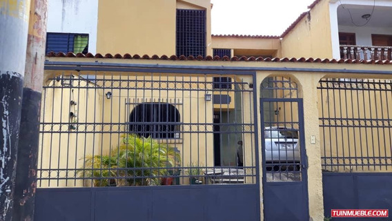 Casas En Venta La Esmeralda Om 19-15695