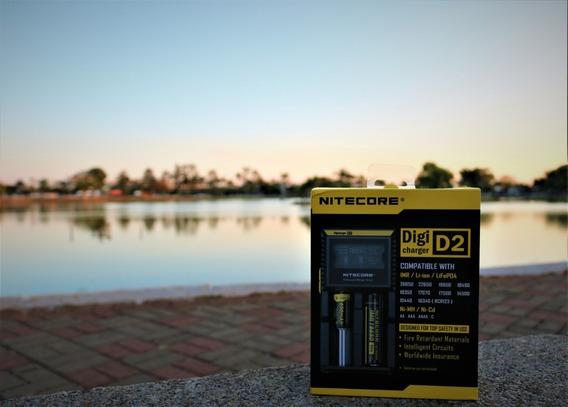 Carregador Inteligente Nitecore D2 + 2un. Bateria Lg 18650