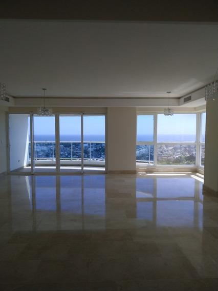 Apartamento De 3 Habitaciones En Torre Mar Azul, Av.anacaona