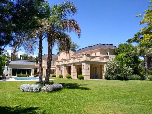 Importante Casa Estilo Francés Impecable Moderna