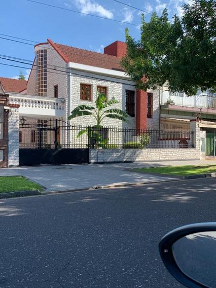Importante Casa En Av Del Rosario 173