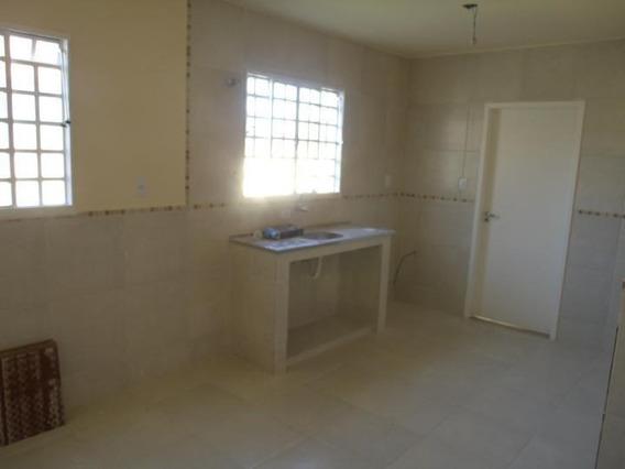 Casa Para Venda Em Porto Real, Ettore, 3 Dormitórios, 1 Banheiro, 2 Vagas - 039
