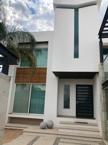 Casa En Oportunidad En La Piedra Al Nte Por El Tec Monterrey