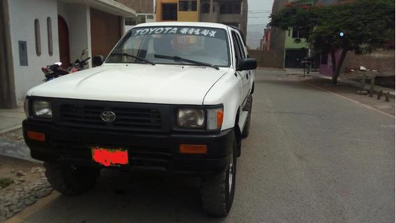 Camioneta Toyota Hilux 4x4 95