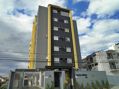 Apartamento No Anita Garibaldi Com 2 Quartos Para Locação, 56 M² - 6929
