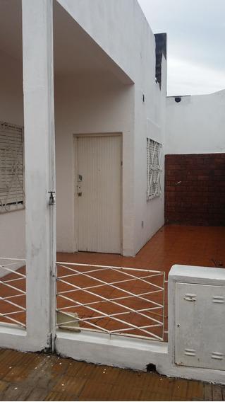 Ph 3 Ambientes En Morón, Zona Oeste Con Cochera Compartida.