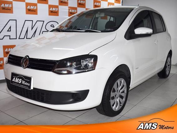 Volkswagen Fox Trend 1.0 8v Flex 4p 2013