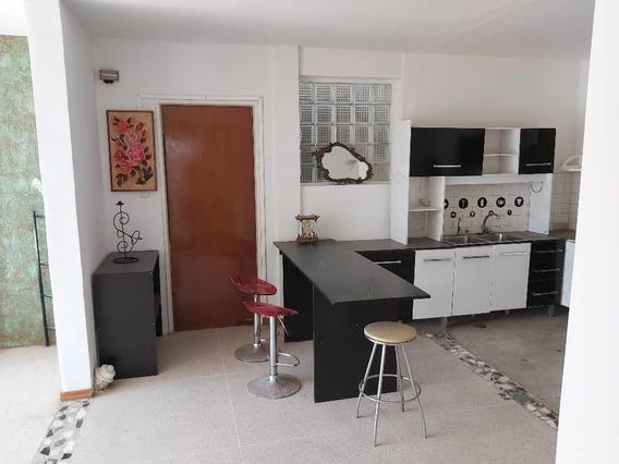 Anexo En Alquiler En La Trinidad/ Lv 04122104403