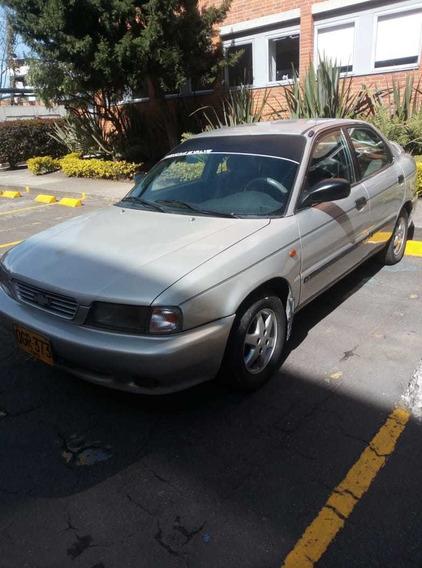 Chevrolet Esteem Color Plateado