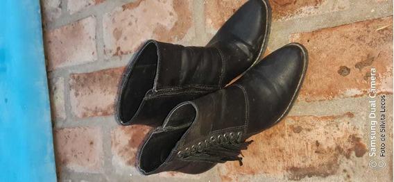 Botas Negras Con Flecos