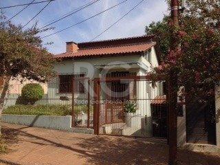 Casa Em Teresópolis Com 3 Dormitórios - Bt9629