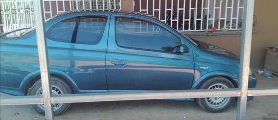 Toyota Echo Sedán