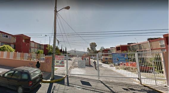 Departamento En Jardines De La Cañada Mx20-hr3922