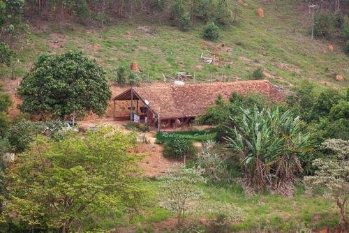 Imagem 1 de 6 de Chácara Com 2 Dormitórios À Venda, 5000 M² Por R$ 300.000,00 - Zona Rural - Paraibuna/sp - Ch0666