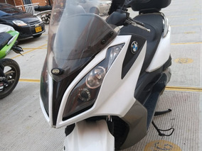 Moto Kymco Downtown 300i / Scooter