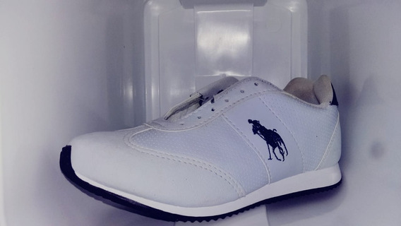 Tênis Unissex Branco.