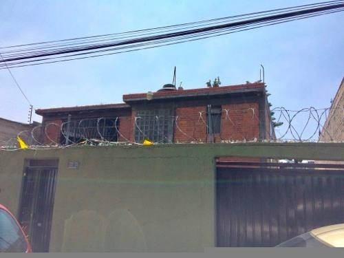 Casa Sobre Terreno De 712 M2 En Granjas Valle De Guadalupe,