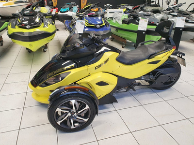 Triciclo Can-am Spyder Rss 2014 Semi-automatica Com Encosto