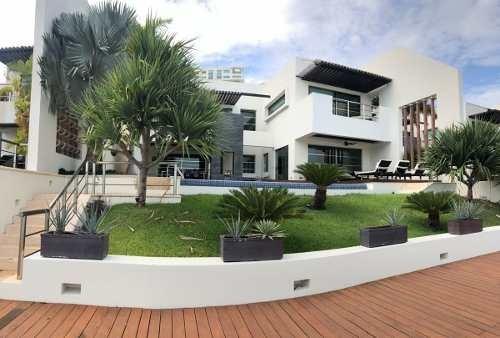 Espectacular Residencia Frente Al Canal /puerto Cancun
