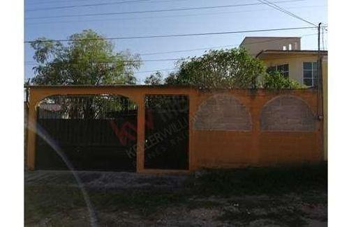 Casa En Venta Ubicada Al Norte Poniente De La Ciudad, Con Amplio Terreno Para Construir