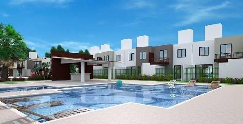 Hermosa Casa En Ciudad Del Sol, Alberca, 3 Recámaras, 2.5 Baños, 2 Autos, Lujo!