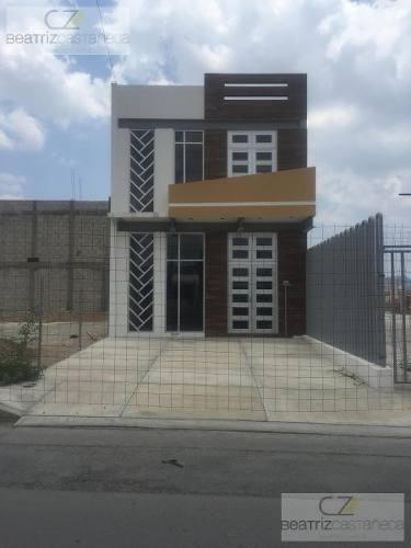 Local U Oficina Comercial, Av. Piracantos, Pachuca