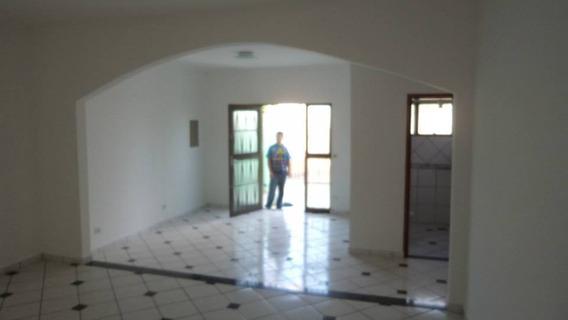 Casa Residencial E Comercial Com Frente De Blindex