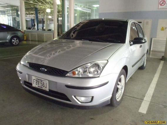 Ford Focus Sedan- Sincronico